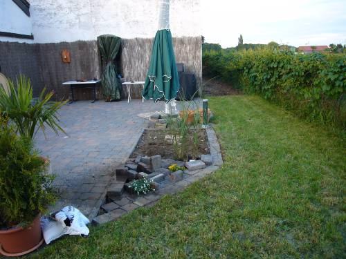 Steingarten vom Garten aus