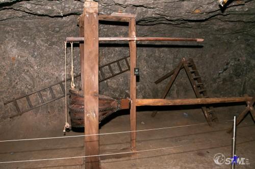 Alte Luftpumpe für die Stollenbelüftung.
