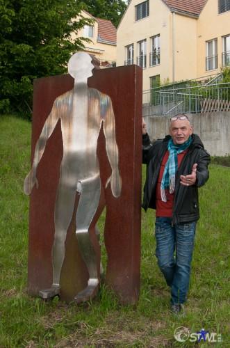 """Skulptur 1994 - """"Gartenzwerg""""; Der Ausbruch mit Dani Troll."""