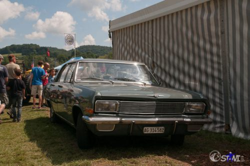 Schöner alter Opel.