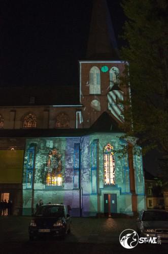 Licht Installation an der Citykirche.