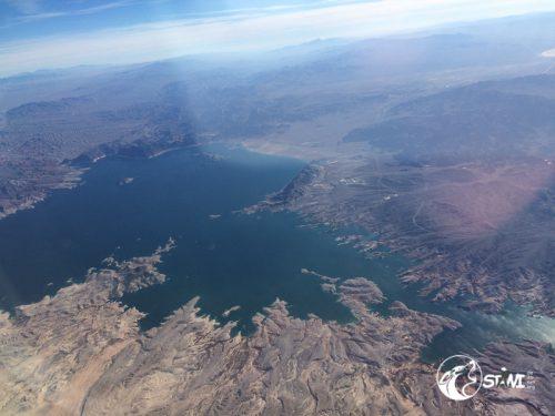 Wehmütiger Blick aus dem Flugzeug.