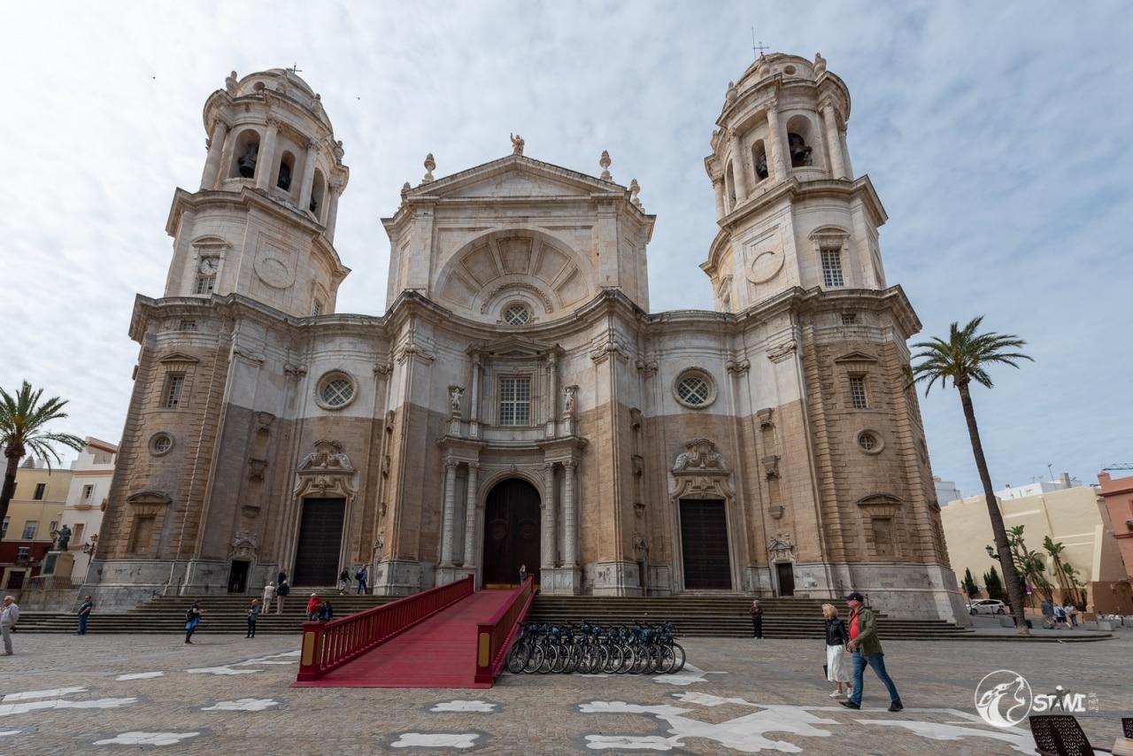 Kathedrale zum heiligen Kreuze über dem Meer