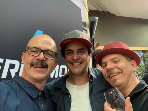 Stawi, Mat, Sascha